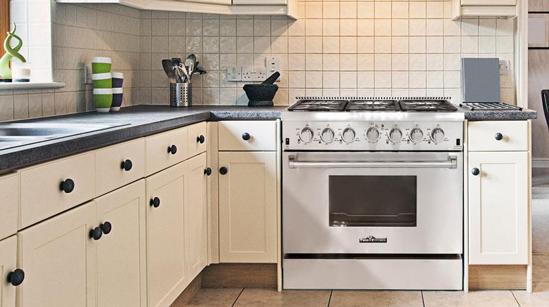 THOR 36 inch Professional Gas Range with 6 burners (LP Gas) Item #  HRG3618U-LP